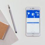 Groupes d'entraide entre parents sur Facebook